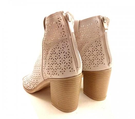 Sandals Mulher Bege Caladas